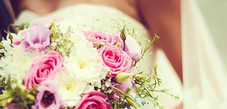 Blomster og gaver til brylluppet