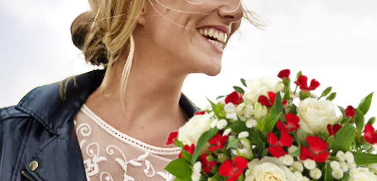 Celebrate the graduate with flowers