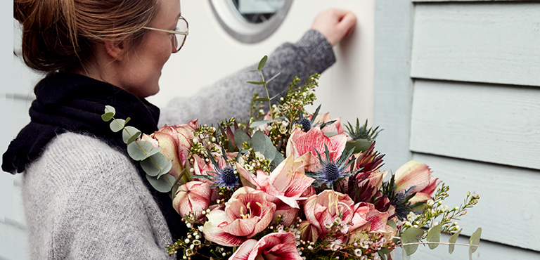Corporate flowers for Christmas - order quickly and easily
