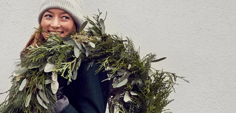 Send julekranse og dekorationer