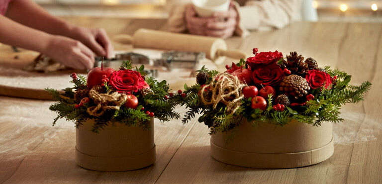 Send Christmas flowers to your nearest and dearest